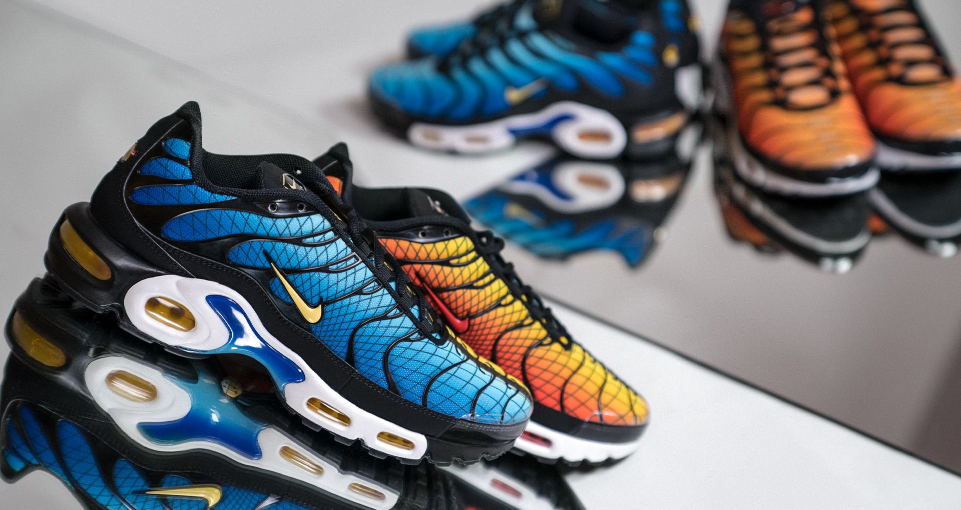 online store 371ea 99823 BEHIND THE DESIGN  AIR MAX PLUS TN SE GREEDY