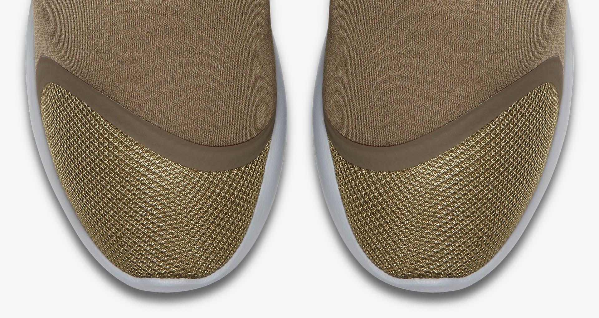 Women's Nike LunarCharge Essential 'Medium Olive'. Nike
