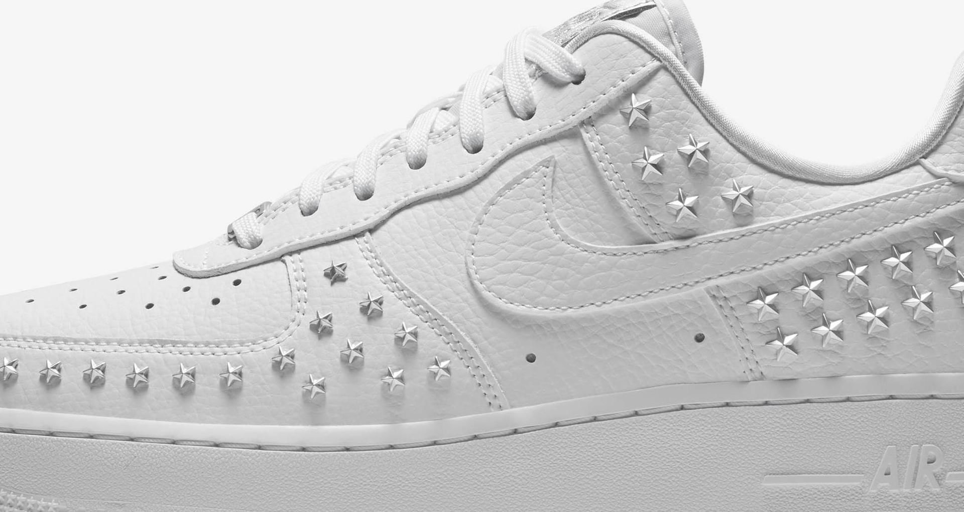 nike air force ones with stars