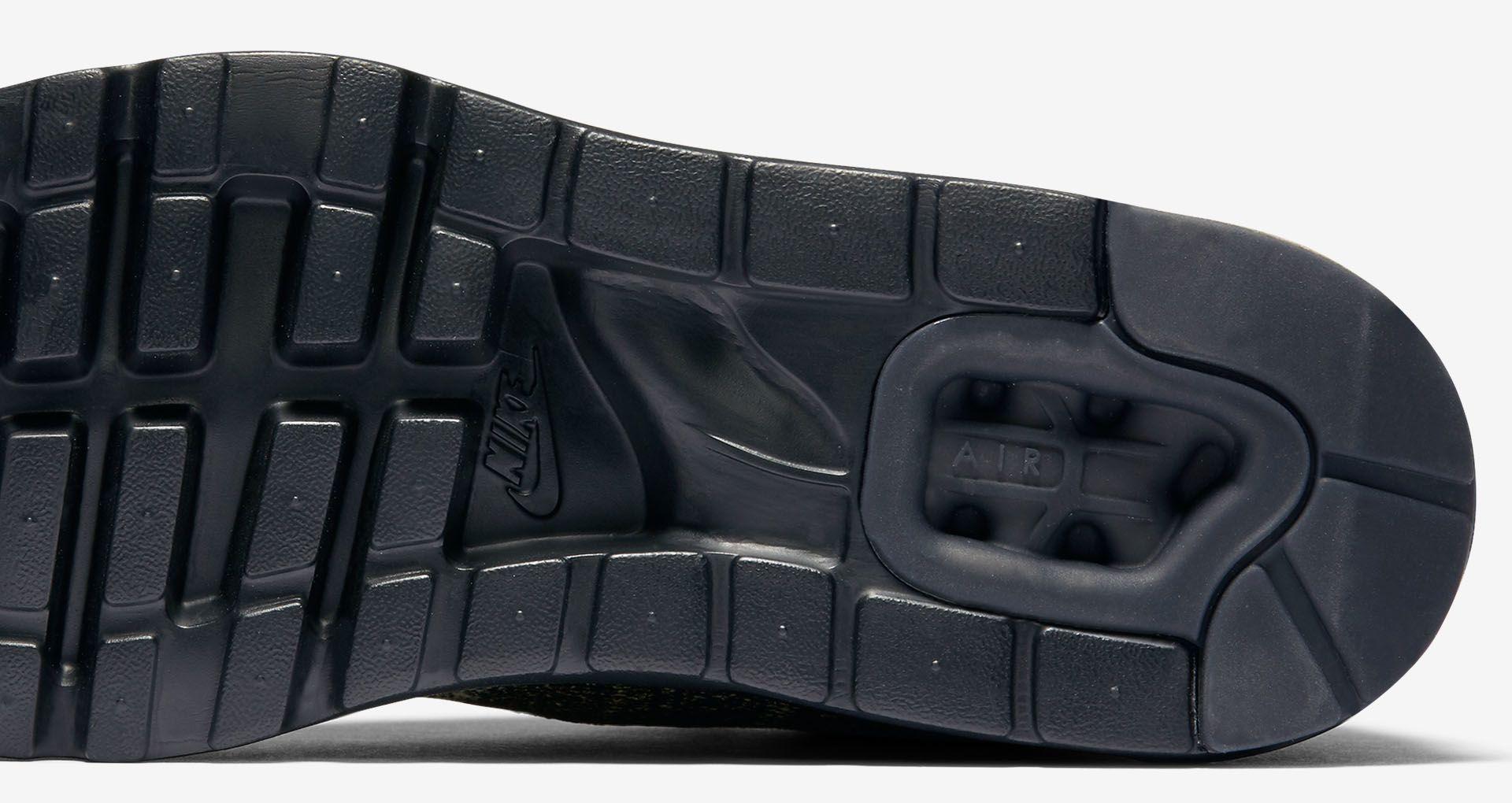 Nike Air Max 1 Ultra Flyknit 'Neutral Olive & Black'. Nike SNKRS