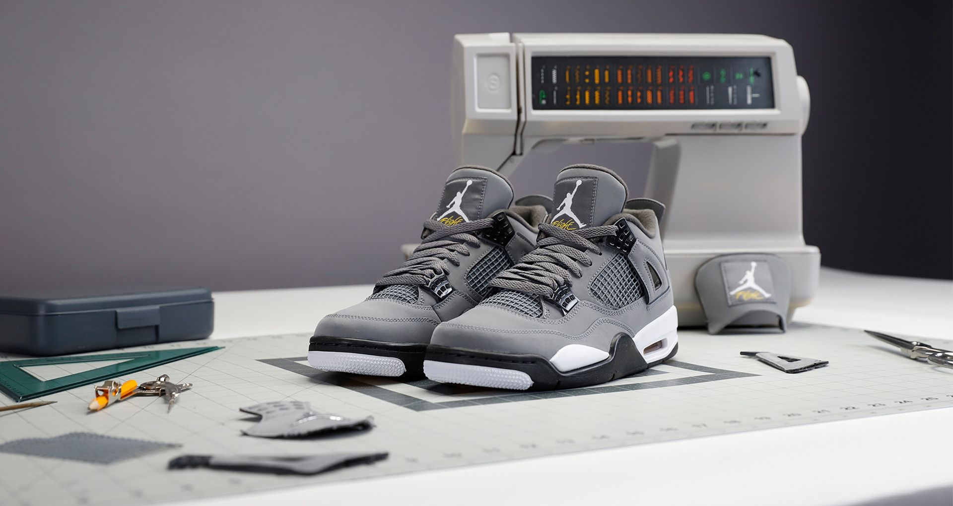 À l'origine du design : Air Jordan IV « Cool Grey ». Nike