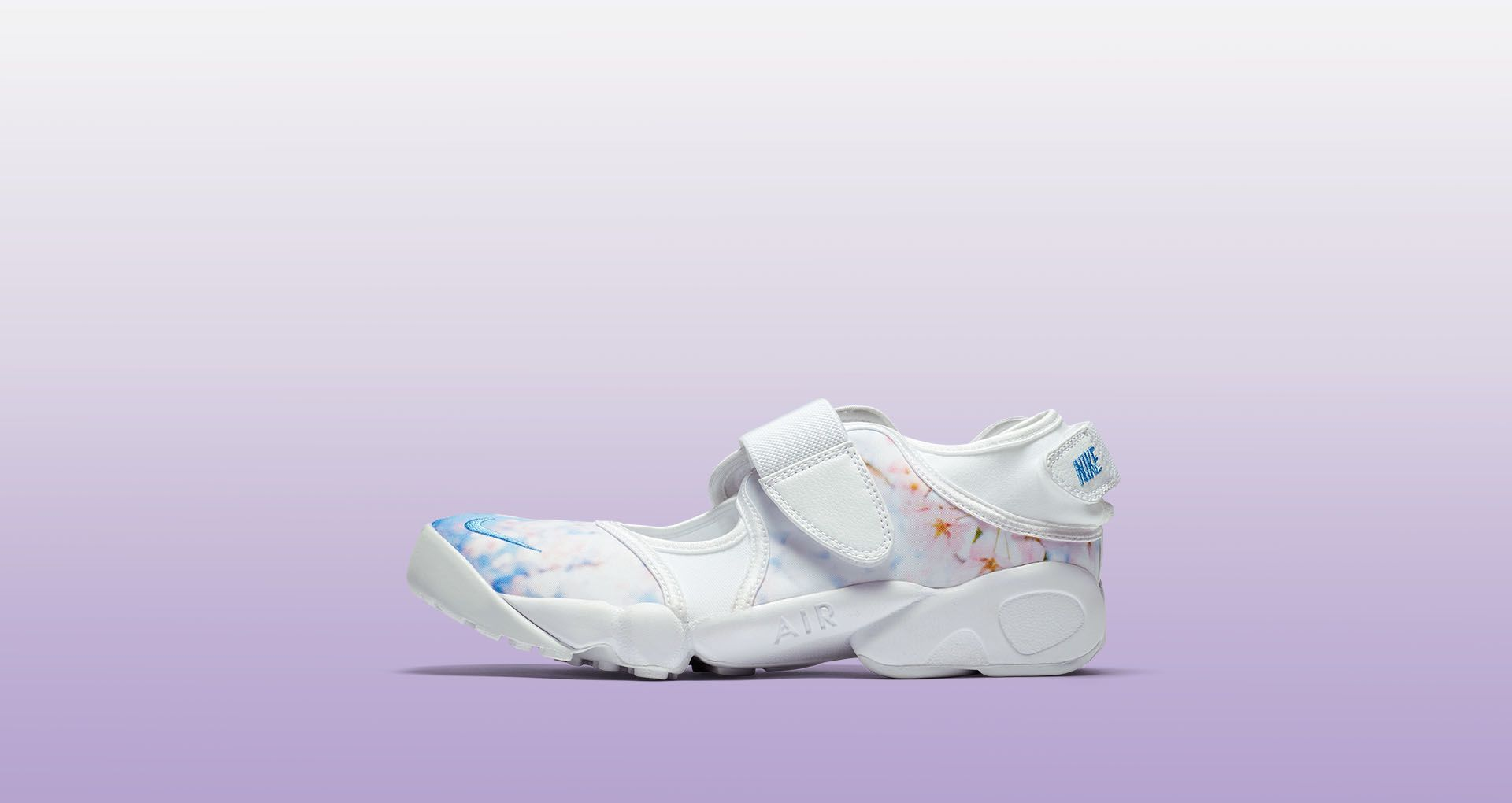 finest selection 18a60 39cbc Womens Nike Air Rift Cherry Blossom. Nike⁠+ SNKRS