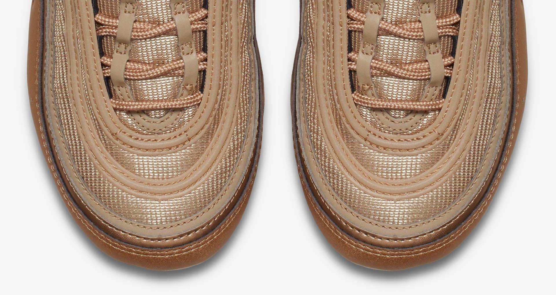 quality design 54fd1 f38d4 Nike Women's Air Vapormax 97 'Blur & Vintage Coral' Release ...