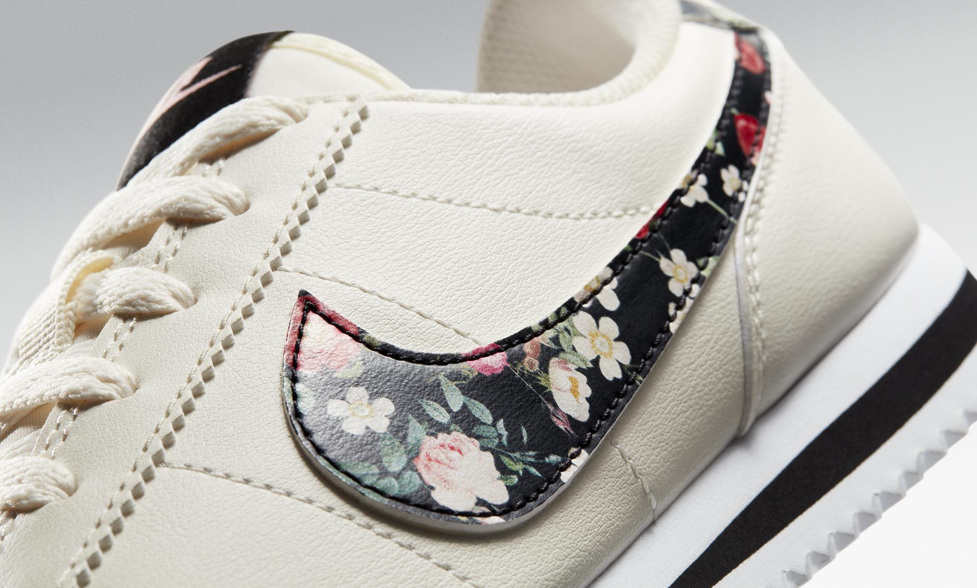 new styles 83cae 459b2 Nike Cortez Basic Vintage Floral Older Kids' Shoe