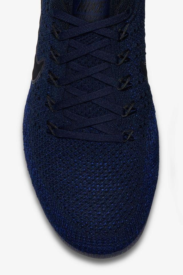 navy blue flyknit