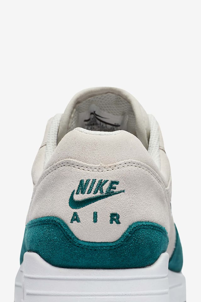 sabor dulce Marco de referencia Amoroso  Nike Air Max 1 Premium 'Emerald Green'. Nike SNKRS GB