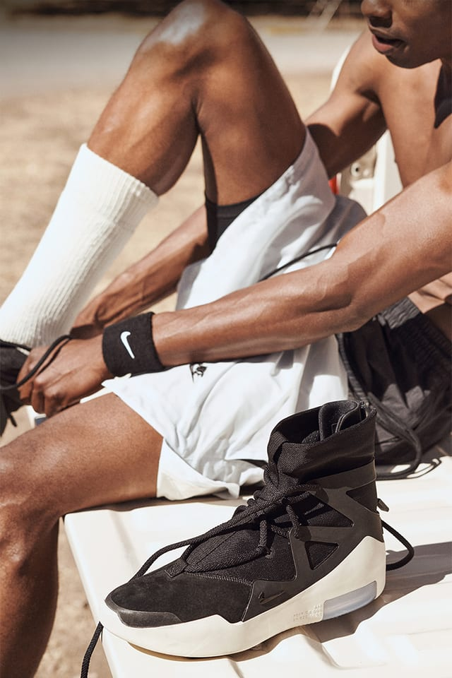 Generalmente hablando solicitud cortar  Nike Air Fear of God 1 'Black' Release Date. Nike SNKRS