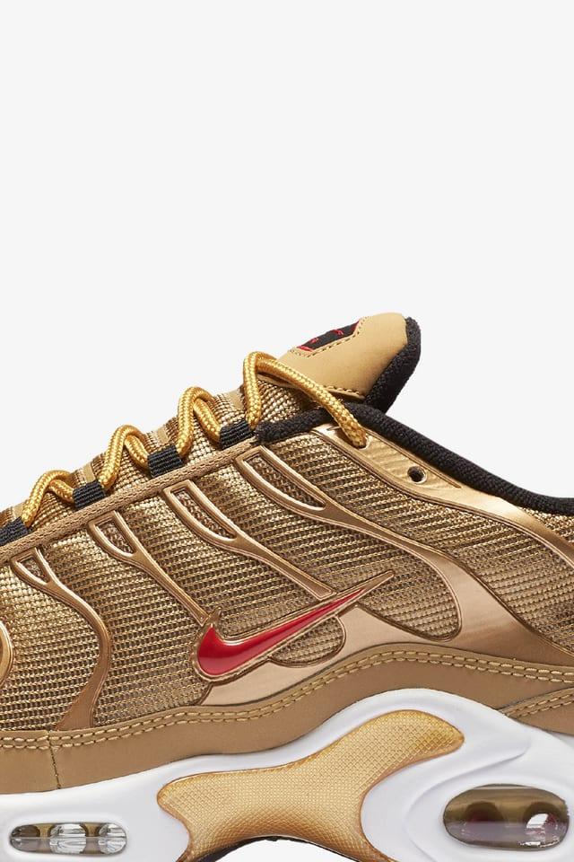 Nike Air Max Plus 'Metallic Gold
