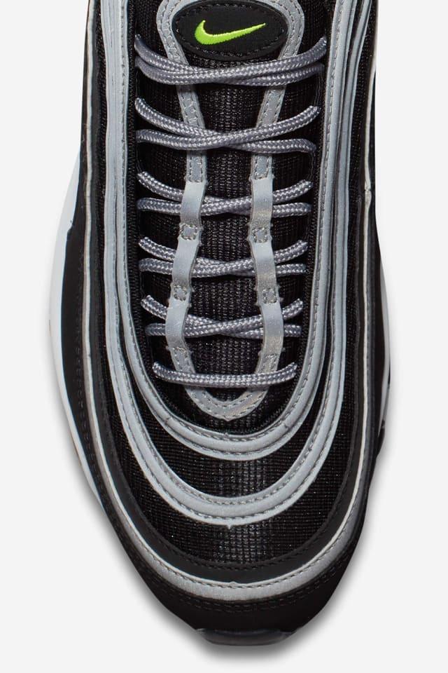Alrededores Misterioso Niño  Nike Air Max 97 OG 'Black/Volt' Release Date. Nike SNKRS GB