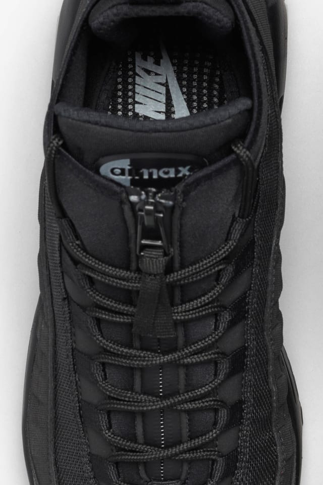 nike 95 sneaker boot