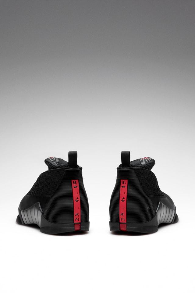 Air Jordan 15 Retro OG 'Black \u0026 Varsity