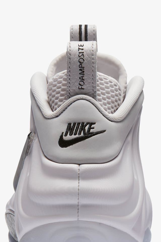Nike Air Foamposite Pro Pearl White 2010 Nike ... Pinterest