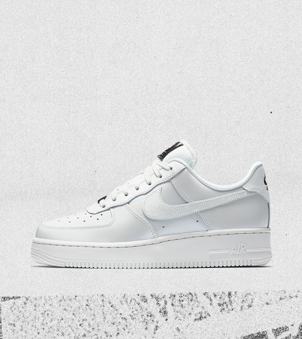 Nike Women's Air Force 1 Low 'Summit White & Black' Release