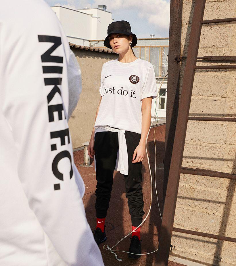 最新のNike F.C.コレクション