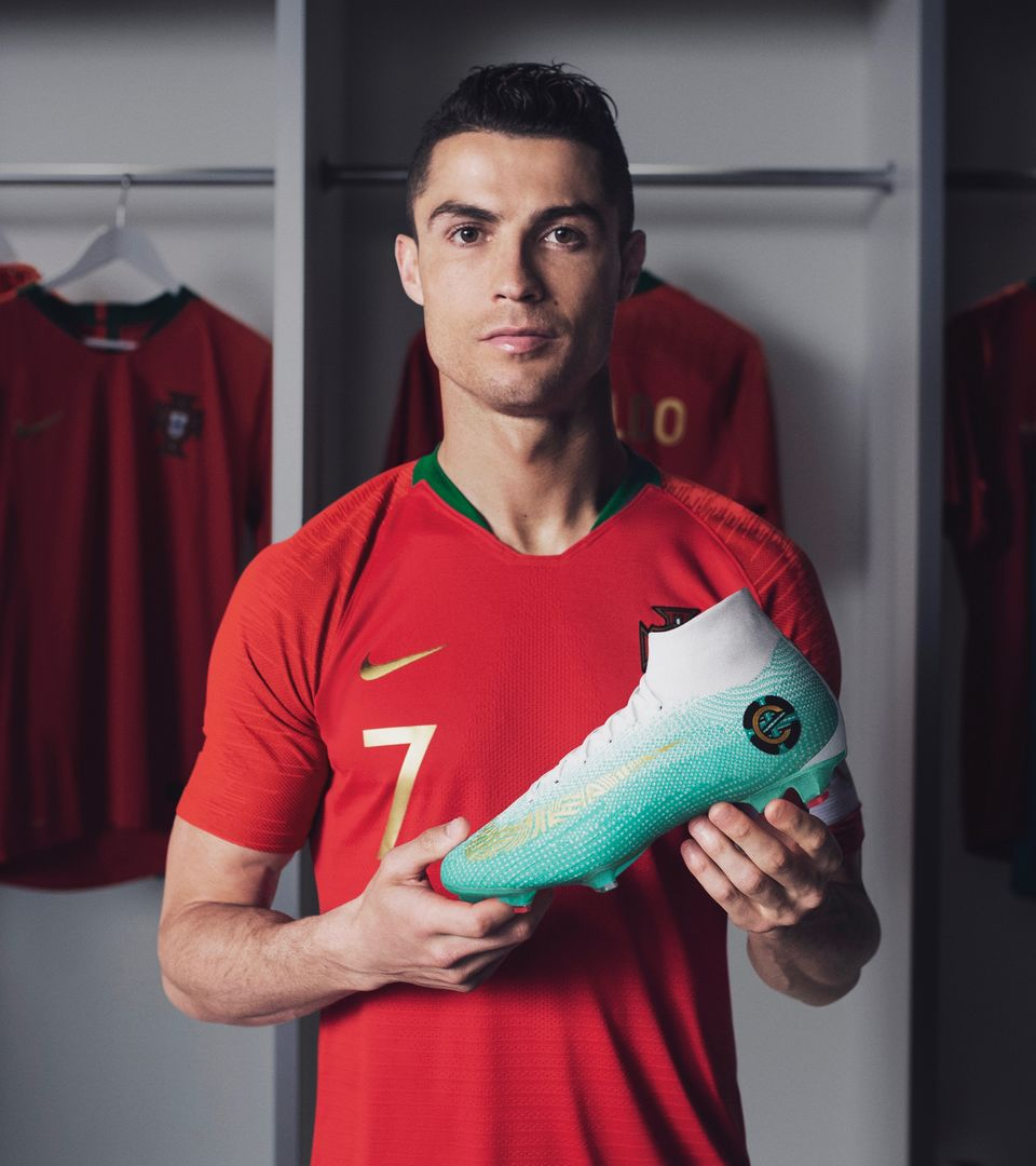 MERCURIAL SUPERFLY ELITE CR7 CHAPTER 6 EDIÇÃO ESPECIAL