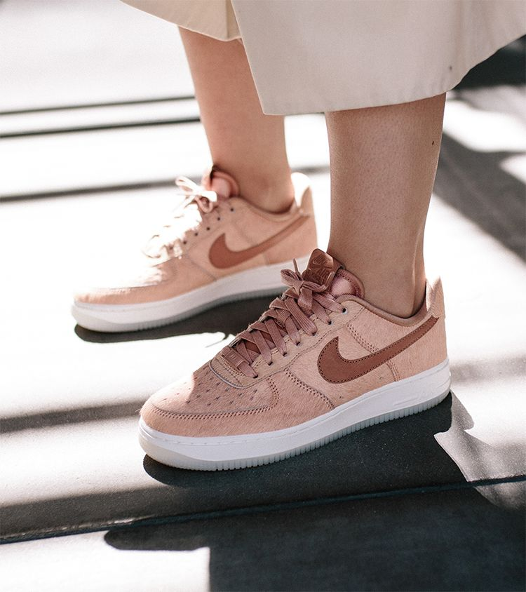 competitive price a7f8f b7a45 Women's Nike Air Force 1 07 LX 'Artic Orange'. Nike⁠+ SNKRS
