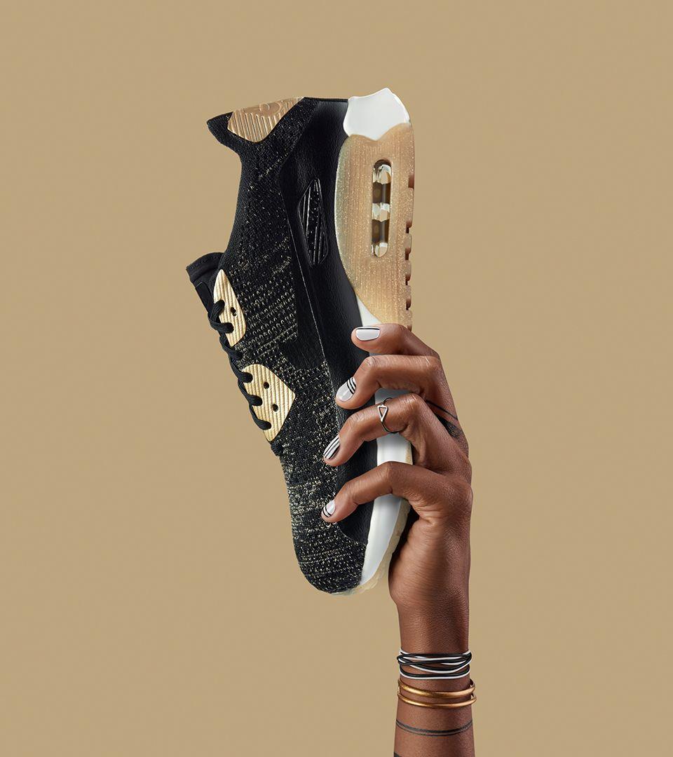 Nike Womens Air Max 90 Ultra 2.0 Flyknit Metallic Black