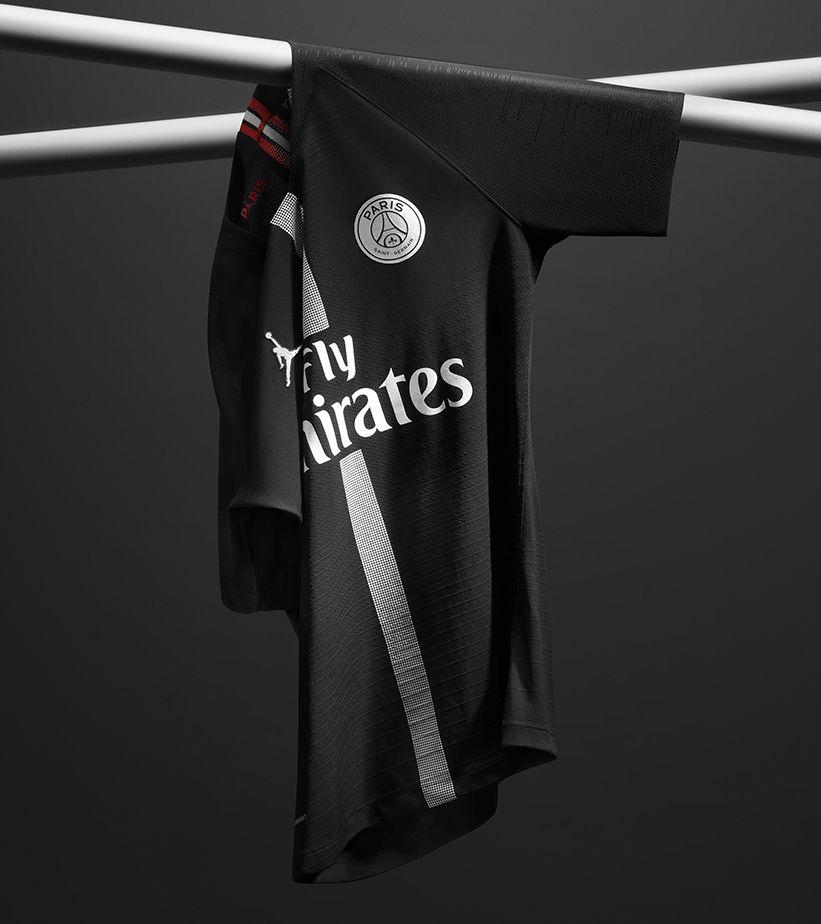 ab01ec61b5883c Jordan x Paris Saint-Germain Black Kit. Nike.com