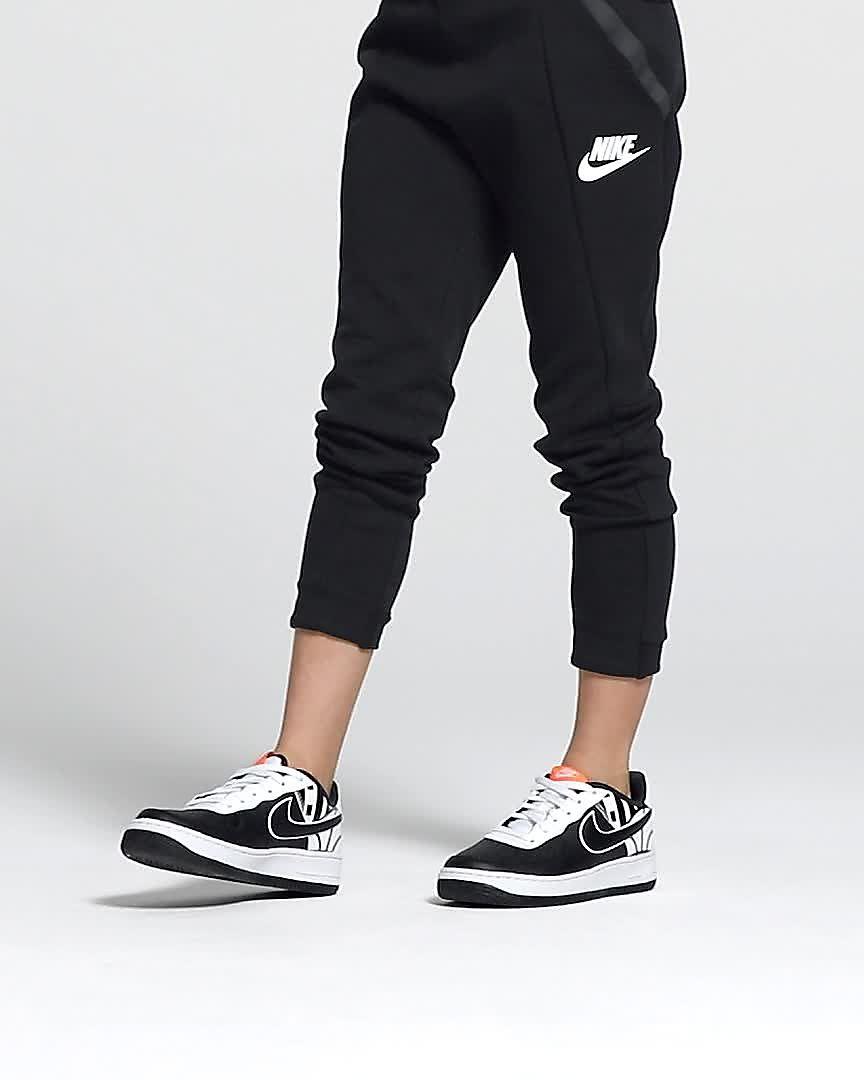 huge selection of aff46 1da40 Nike Air Force 1 LV8 Older Kids Shoe. Nike.com IN