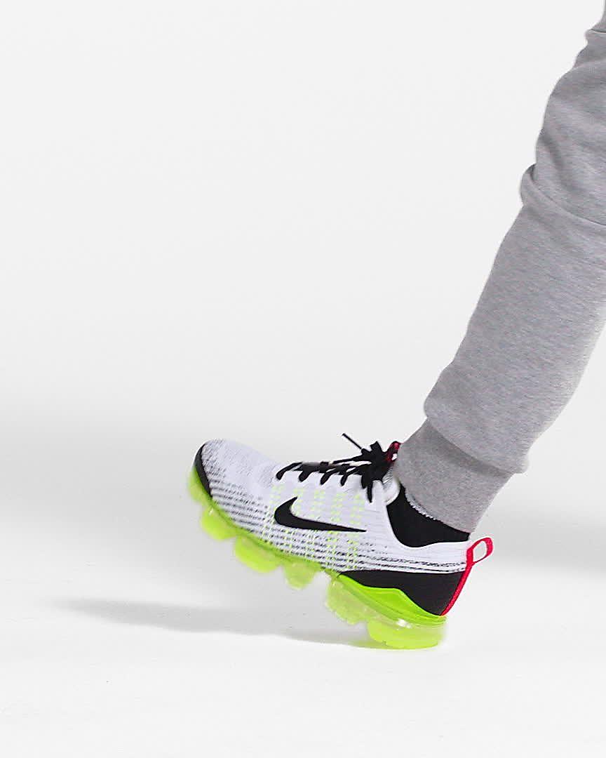 new arrival cfc46 b2206 Nike Air VaporMax Flyknit 3 Older Kids' Shoe
