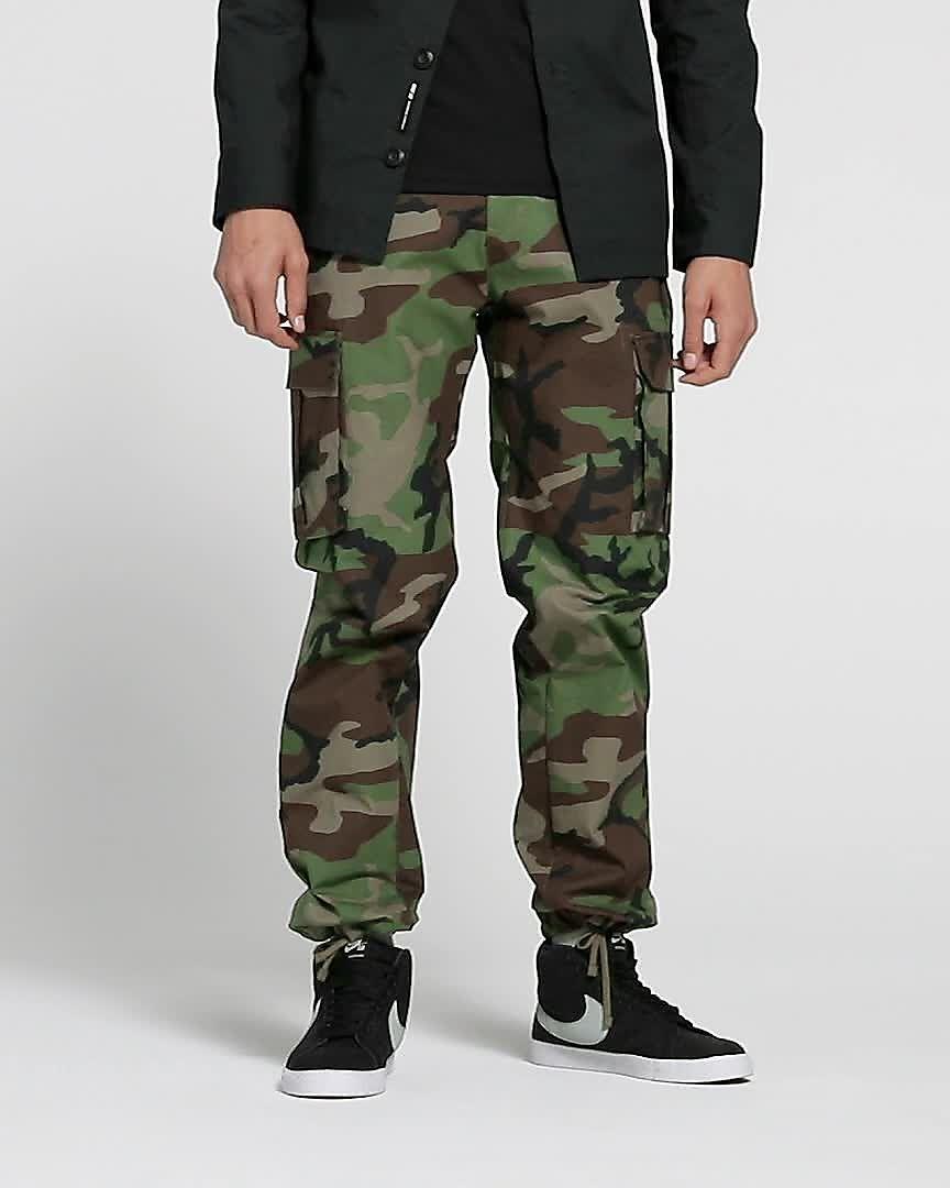 32d63e4823a Nike SB Flex FTM Camo Skate Pants. Nike.com