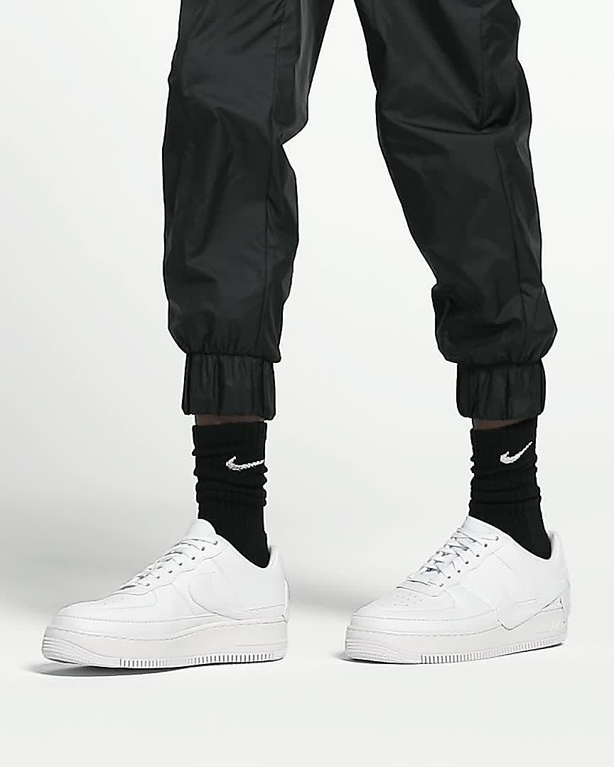 Nike Pretty Nike Blanco Negro Hombre Air Force 1 Camiseta Blanco