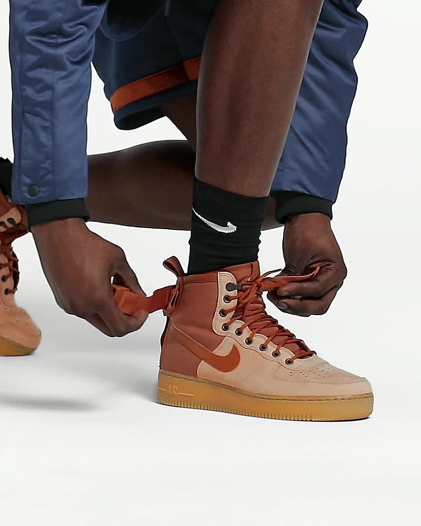 new concept 4db1e f1146 Nike SF Air Force 1 Mid Premium sko til herre. Nike.com NO