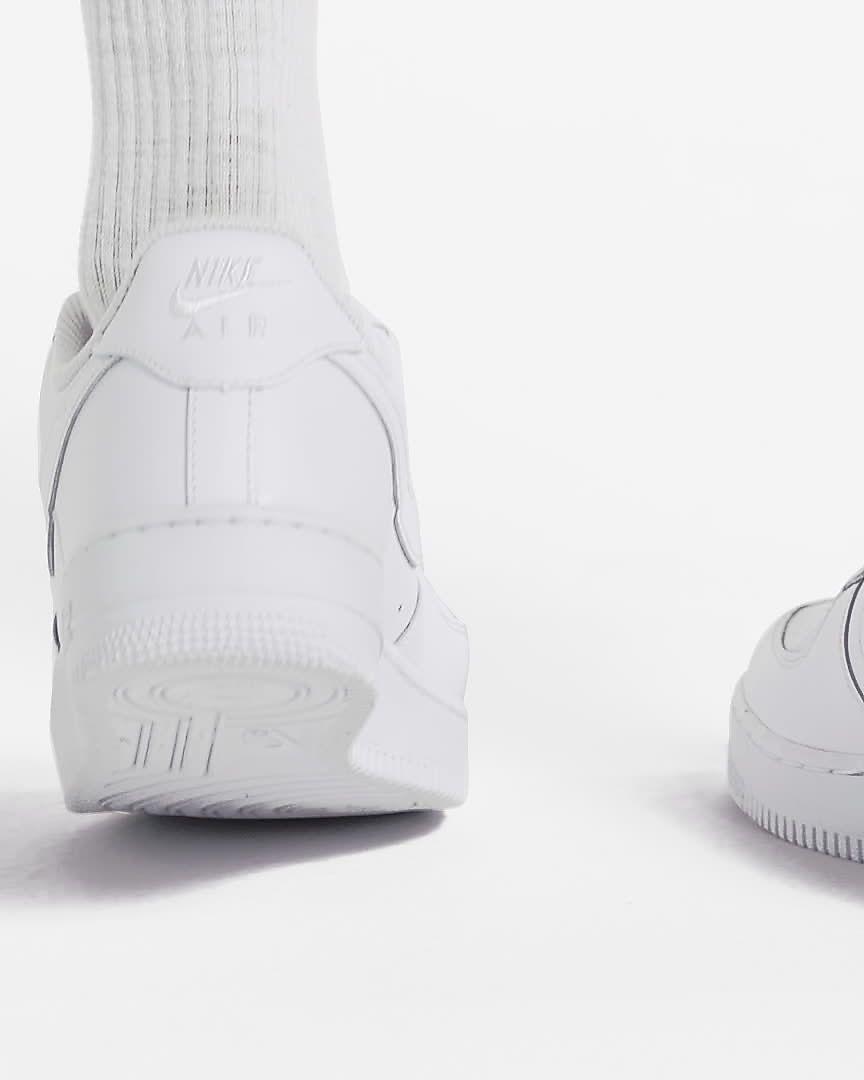 5dfa79a452a Nike Air Force 1  07 Women s Shoe. Nike.com
