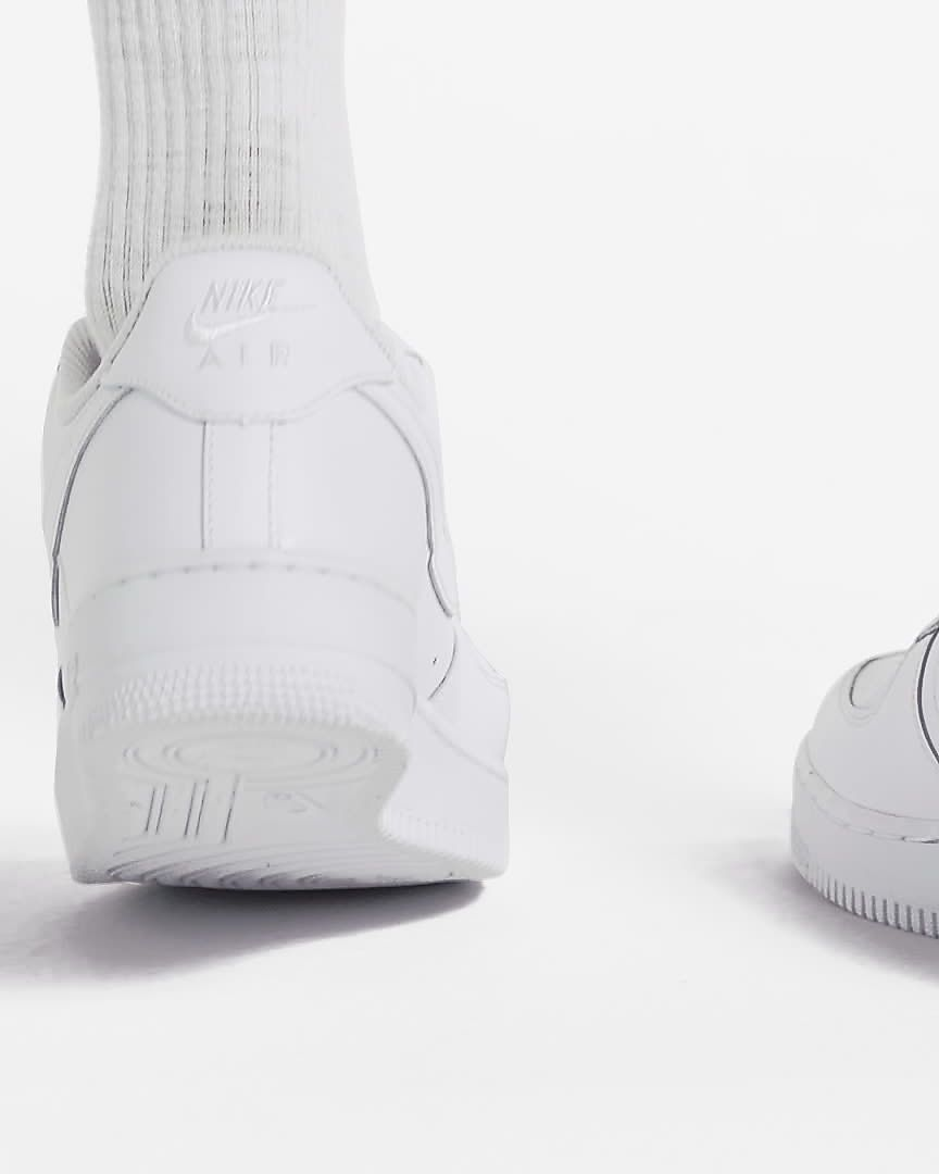 5c78853aa3a0 Chaussure Nike Air Force 1  07 pour Femme. Nike.com CA